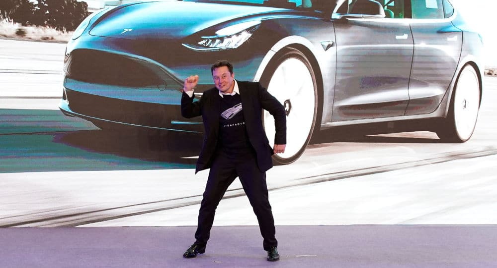 Elon Musk devient un danseur fou en Chine