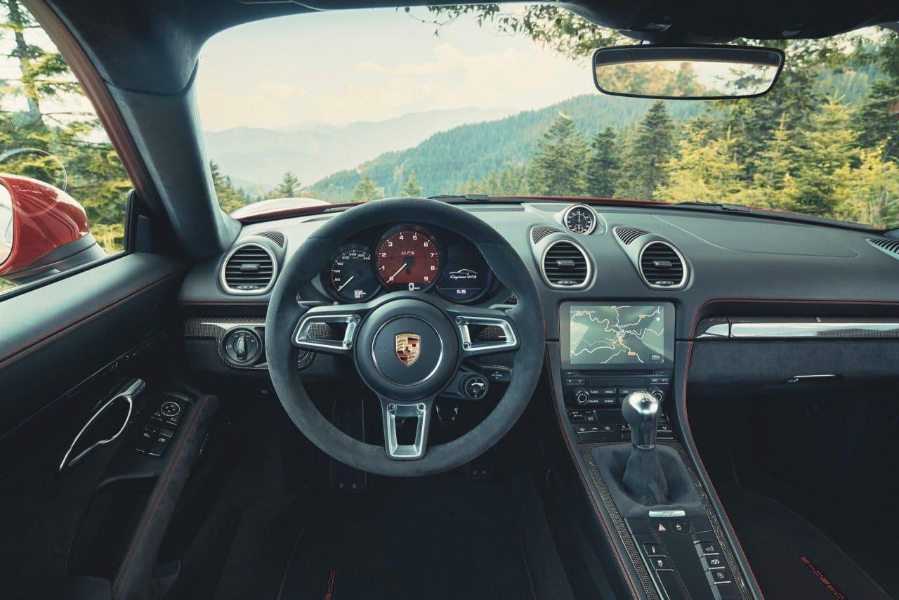 Intérieur Alcantara des Porsche 718 Boxster/Cayman