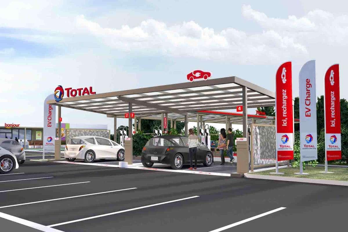 Borne recharge voiture électrique Total