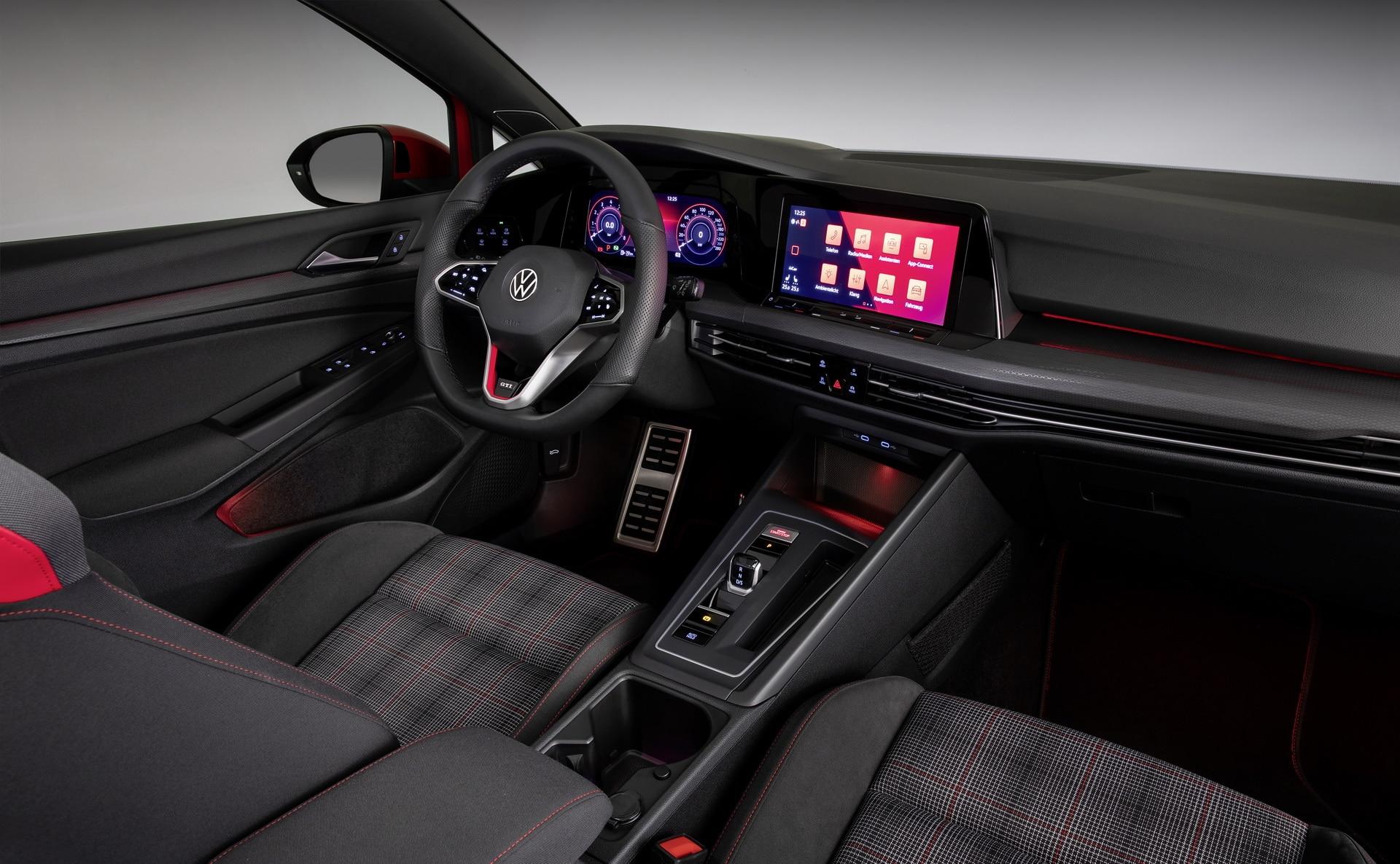 Intérieur de la Volkswagen Golf 8 GTI