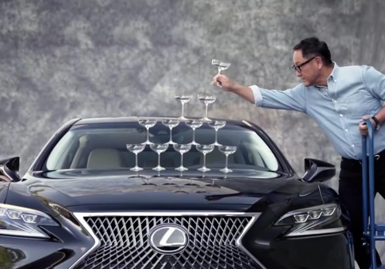 Patron Toyota Lexus pub