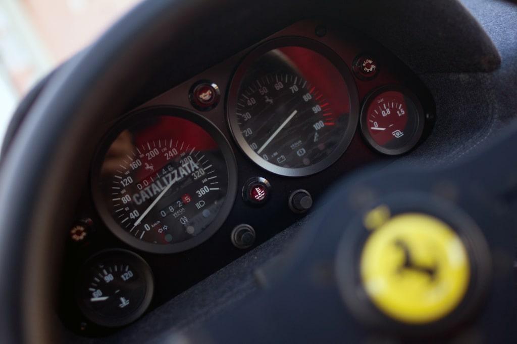Tableau de bord compteur Ferrari F40