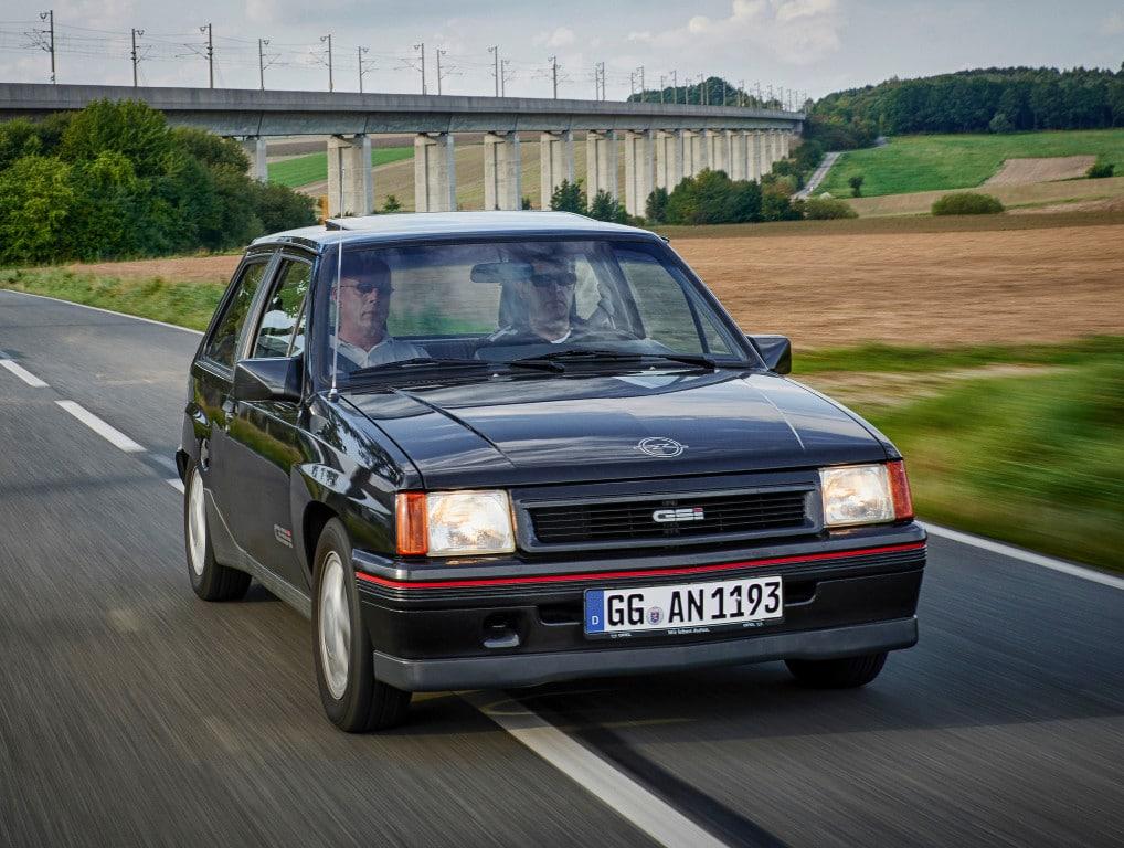 Opel Corsa GSI (A) noire