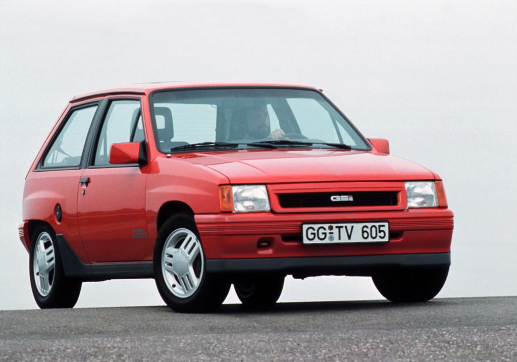 Opel Corsa GSI (A) rouge