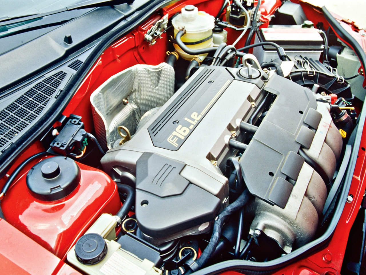 Moteur de la Renault Clio 16S