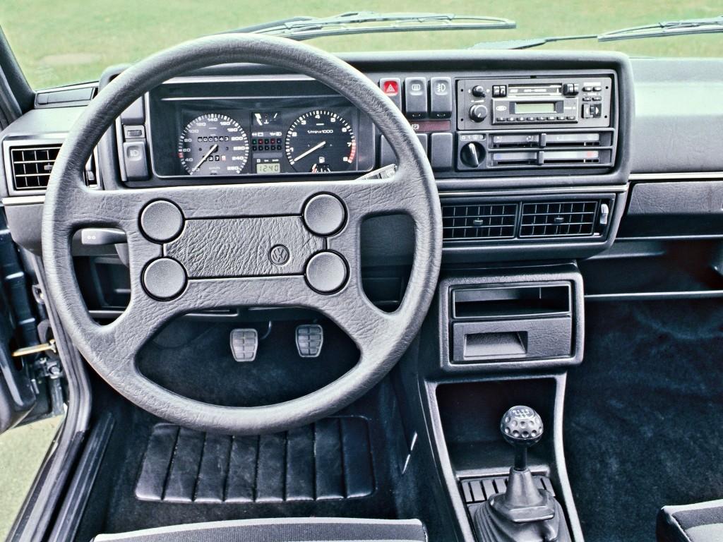 Tableau de bord Volkswagen Golf 2 GTI 16S