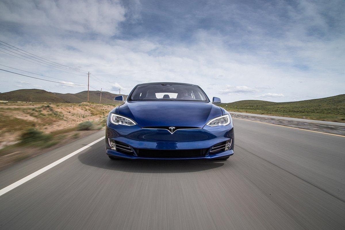 """Tesla et le mode """"Guépard"""""""