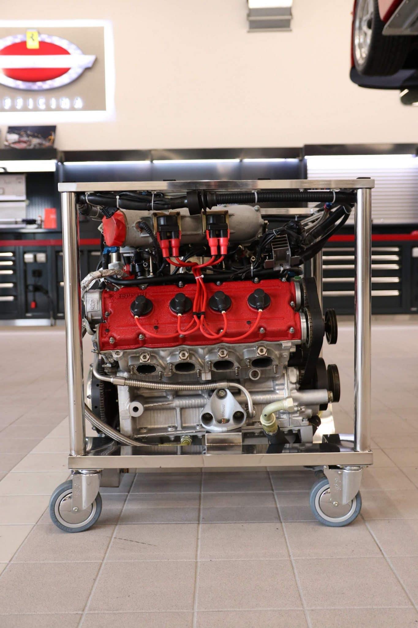 Moteur V8 F40