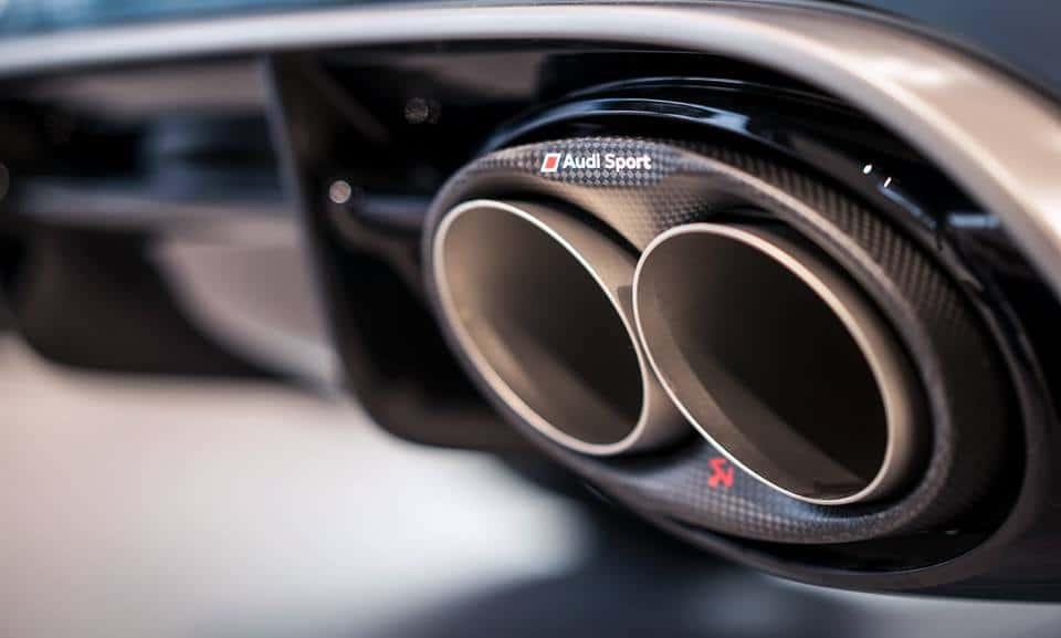 Les voitures bruyantes en danger en Suisse