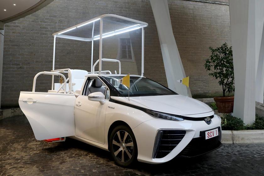 Toyota Mirai Hydrogène Pape Francis