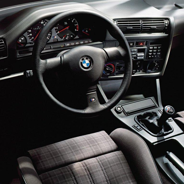 Poste de conduite avant BMW M3 E30